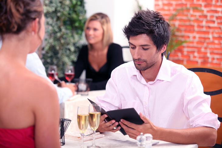 Men pay the dinner bill on the first date